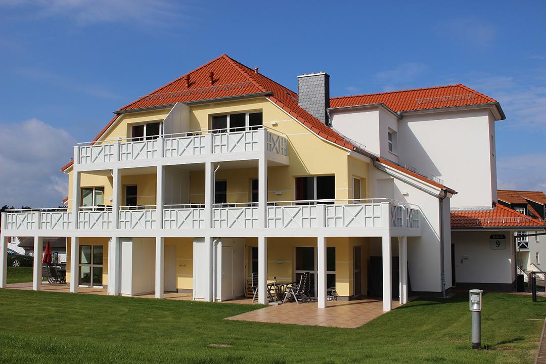 Fliesen und Terrassenplatten aus Feinsteinzeug im Ferienpark Vineta