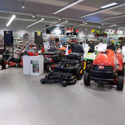 Fliesen aus Feinsteinzeug im Technikmarkt Niemeier in Sprenge