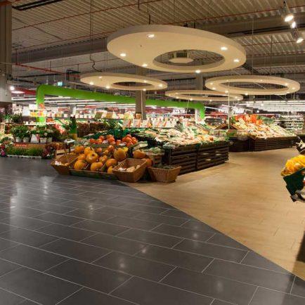 Topgres Referenzen: Hochwertige Feinsteinzeugfliesen für den Ladenbau