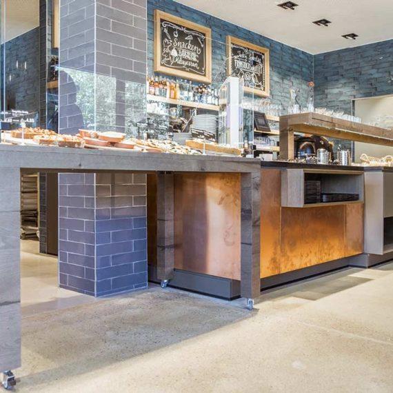 Fliesen für die Bäckerei Einrichtung-Gastronomie Ladenbau